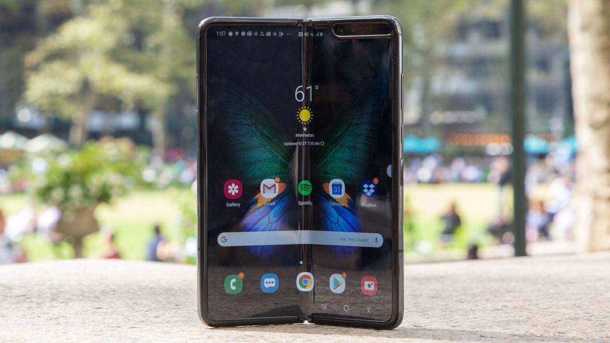 Samsung Galaxy Fold Display Review