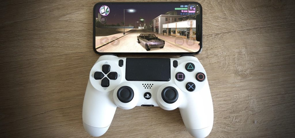 How to Pair a PS4 or an Xbox Controller with Your iPhone or iPad